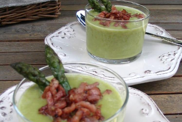 Velouté d'asperges vertes au lard fumé