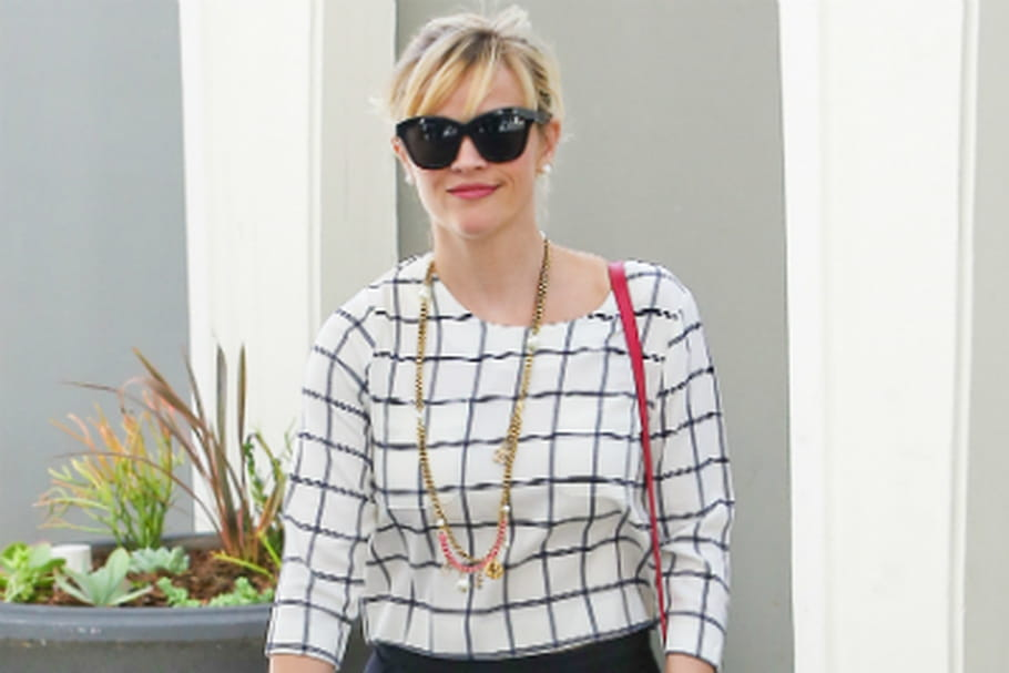 Le look people du jour : Reese Witherspoon, working girl BCBG