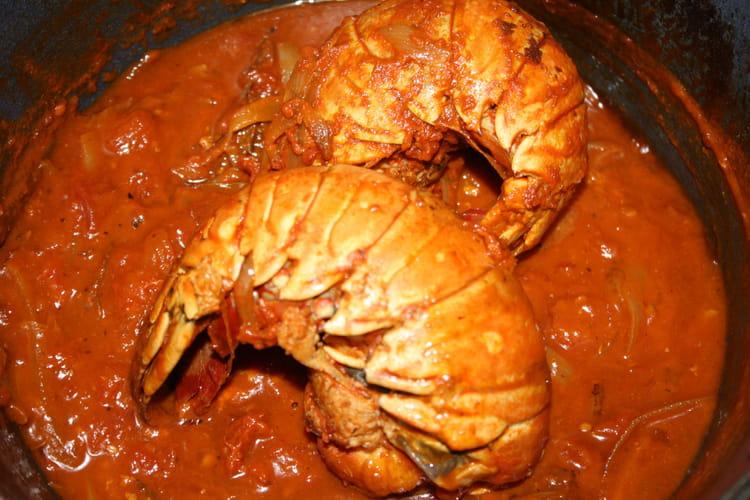 Recette de queue de langouste l 39 armoricaine la recette - Lotte a l armoricaine recette cuisine ...