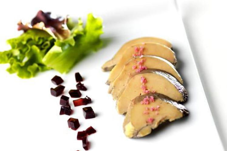 Lobe de foie gras de canard poché au cassis et sa fine gelée