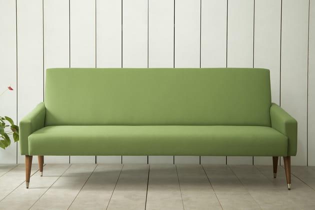 Le canapé vert amande