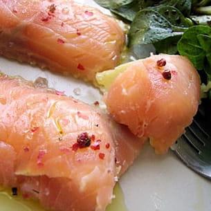 gros raviolis tièdes au saumon et chèvre frais