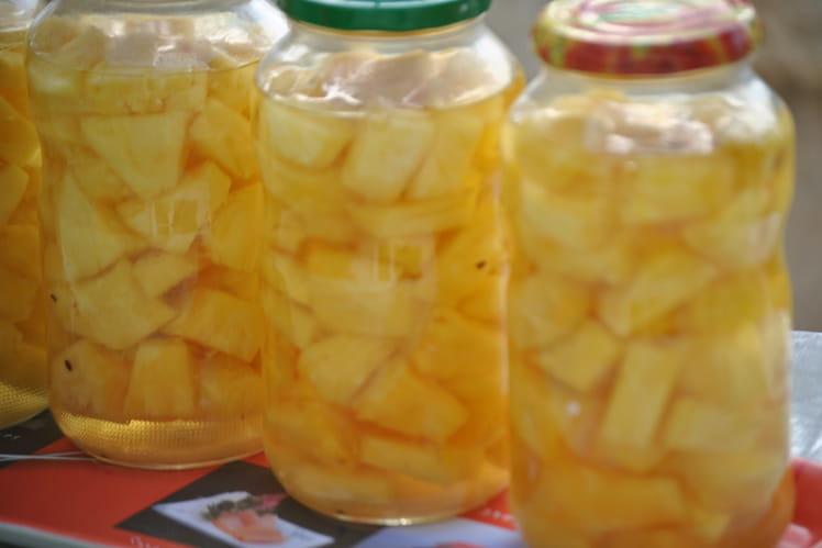 Conserve d'ananas au sirop léger