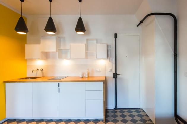 cuisine minimaliste blanche et jaune. Black Bedroom Furniture Sets. Home Design Ideas
