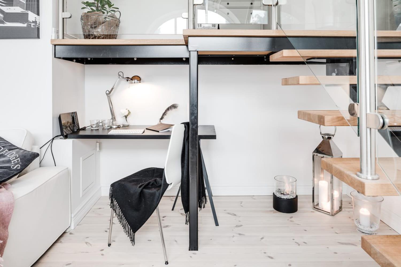 Aménager un bureau sous l'escalier: nos conseils déco pour y arriver