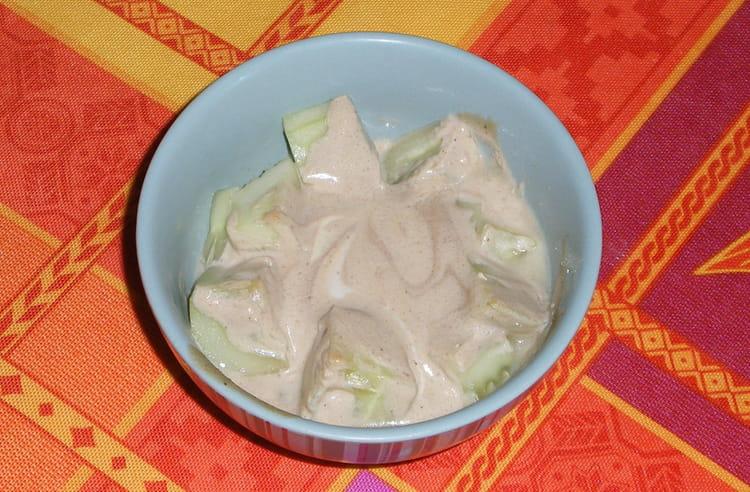 recette de concombre au yaourt la recette facile. Black Bedroom Furniture Sets. Home Design Ideas