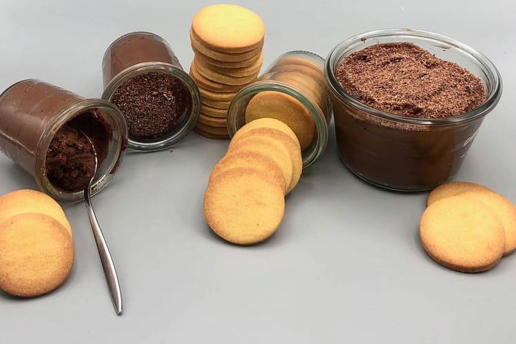 Mousse au chocolat et sablés vanille du chef Matthieu Marti