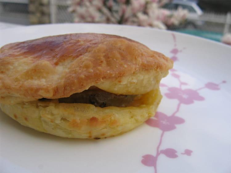 recette de feuillet s de foie gras aux pommes la recette facile. Black Bedroom Furniture Sets. Home Design Ideas