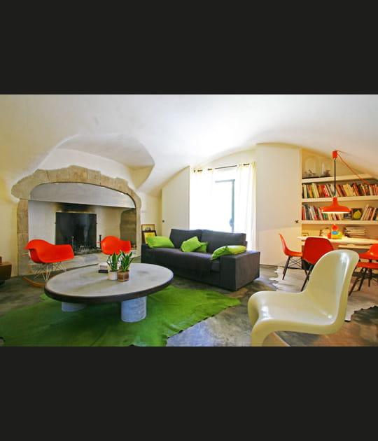 Déco récup' et colorée pour vaste demeure