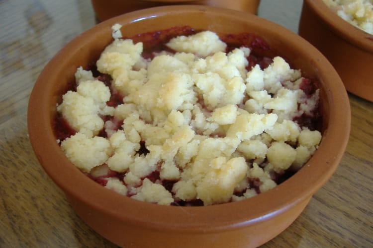 Crumble aux fruits rouges et poudre d'amandes