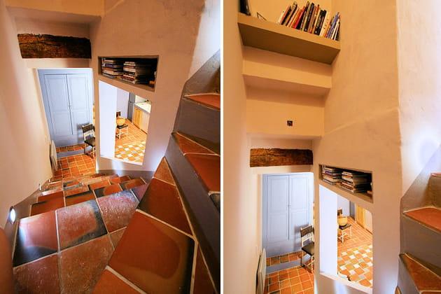 Des niches dans l'escalier
