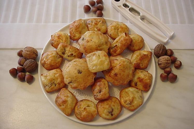 Mini-cakes au chèvre, noix et raisins