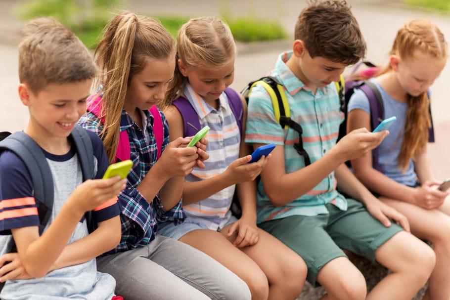 A quel âge lui acheter un téléphone portable?