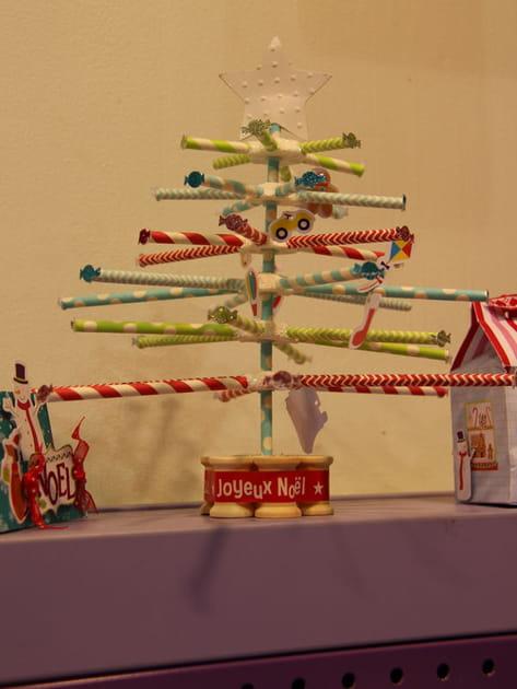 Un sapin de Noël en tubes
