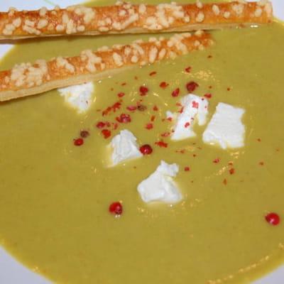 velouté de brocolis et carré frais