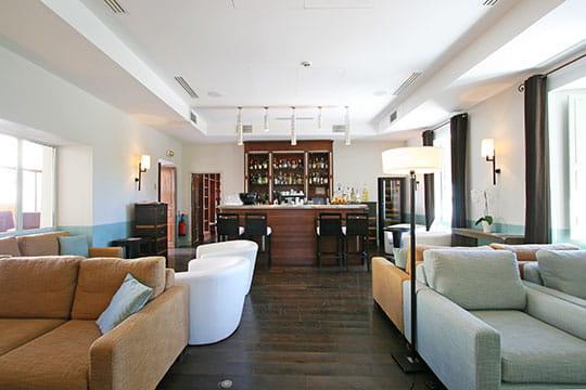Le bar lounge