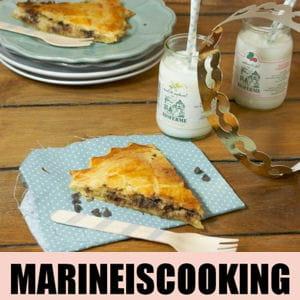 marine is cooking on file dans sa cuisine. Black Bedroom Furniture Sets. Home Design Ideas