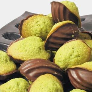 mini madeleines au matcha et au chocolat noir