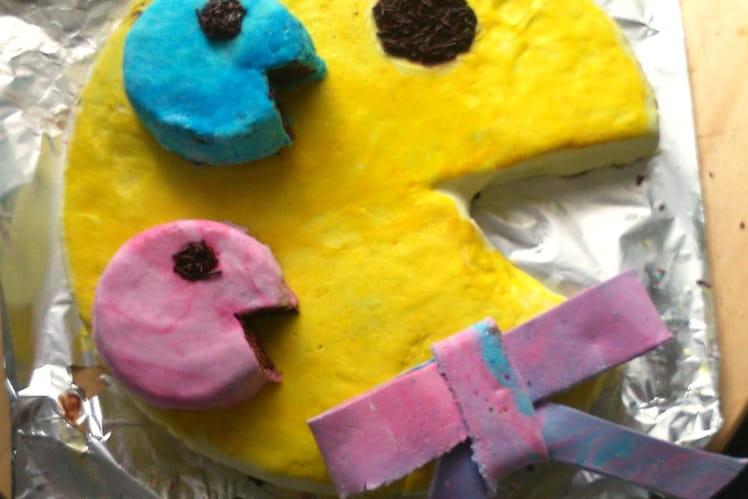Gâteau d'anniversaire au chocolat façon Pac man géant