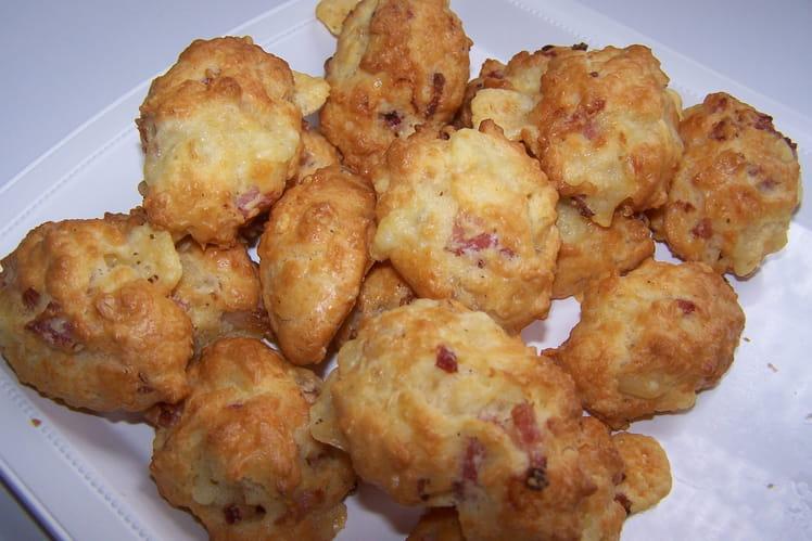 Madeleines aux lardons et au fromage à raclette