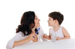 avant 12 ans, le dentifrice doit être adapté à l'âge de l'enfant.
