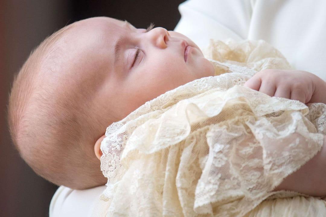 le prince louis de cambridge a  u00e9t u00e9 baptis u00e9