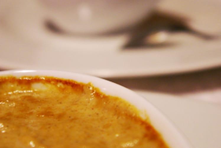 Œuf à la crème de champignons sauvages
