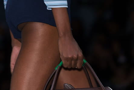 Prada (Close Up) - photo 21