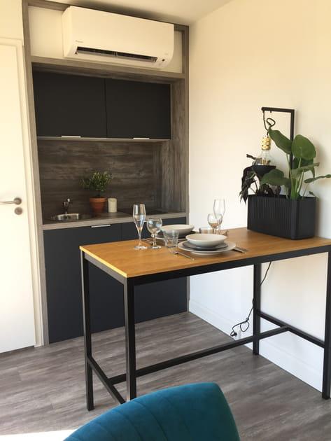"""Un studio de jardin version """"chambre à soi"""" tout-en-un"""