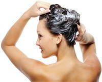 si vous avez les cheveux gras, choisissez un shampoing adapté.