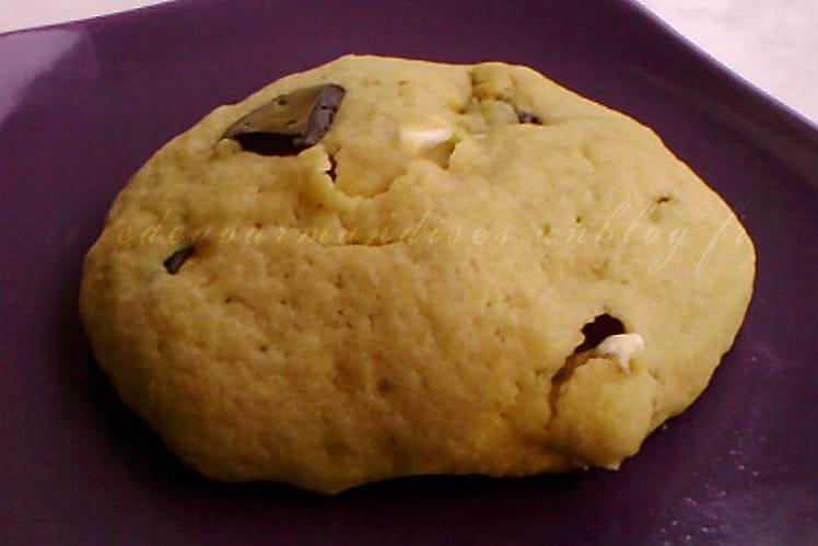 Cookies aux éclats de nougat et au chocolat