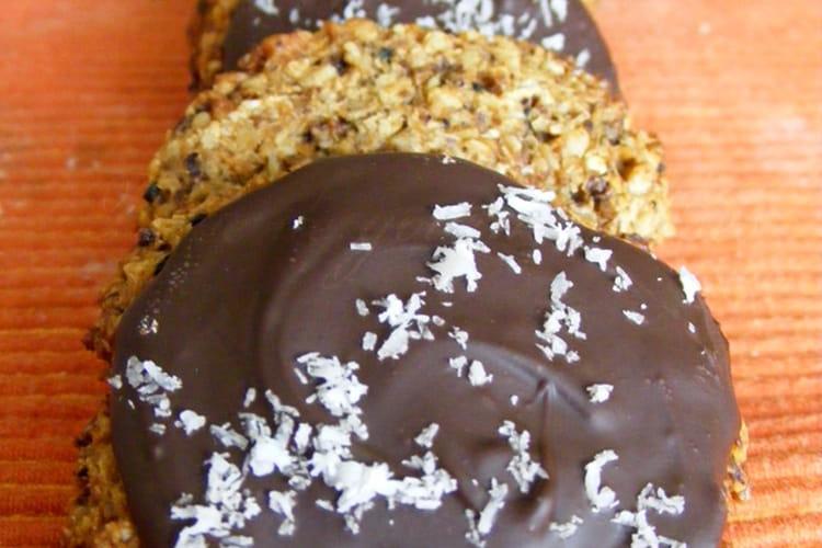 Biscuits au pralin, céréales et noix de coco