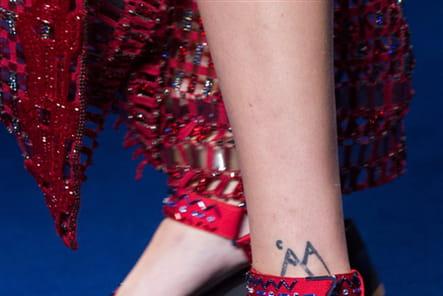 Versace (Close Up) - photo 81