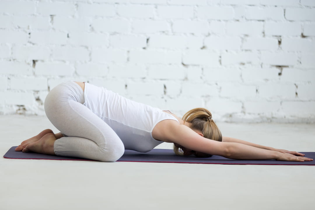 posture-enfant-yoga-matin