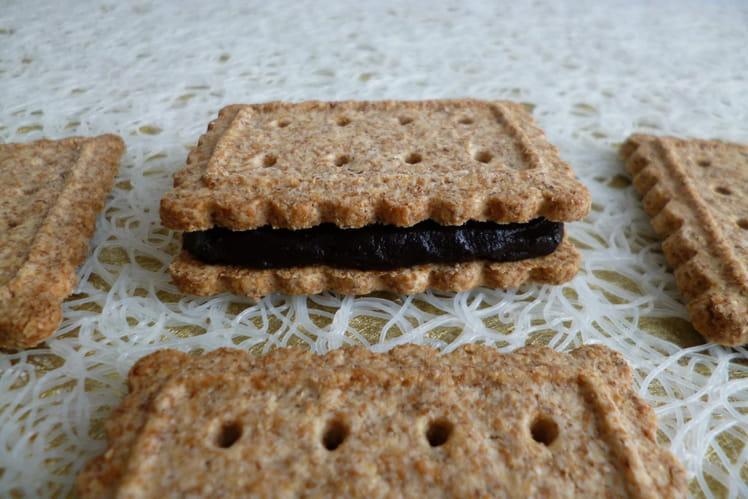 Biscuits diététiques au bambou fourrés au cacao noir