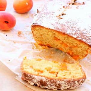 cake aux abricots fondants