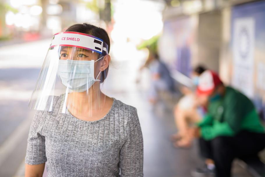 Visière de protection au coronavirus: peut-elle remplacer le masque?