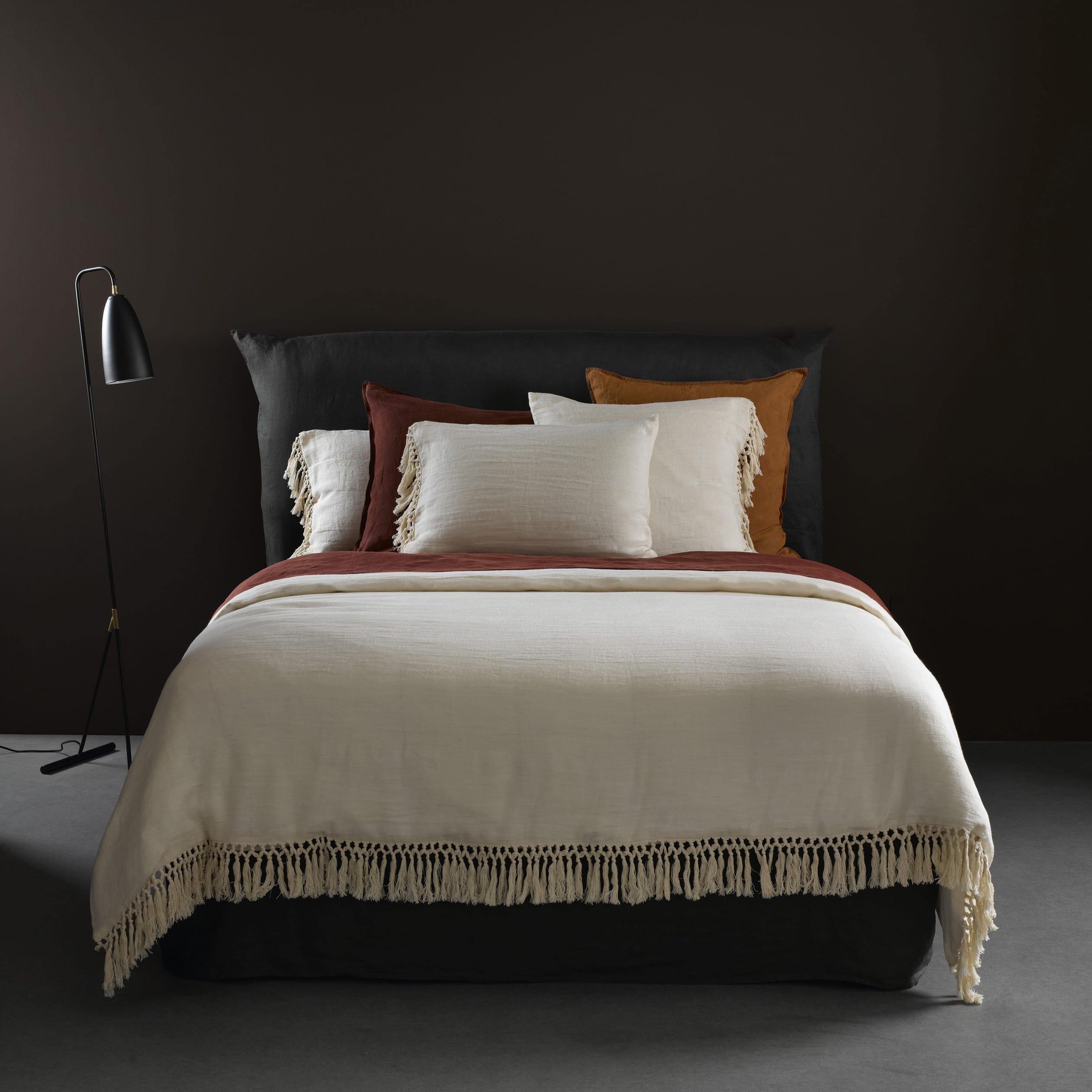 linge de lit calma en gaze de chanvre d 39 am pm. Black Bedroom Furniture Sets. Home Design Ideas