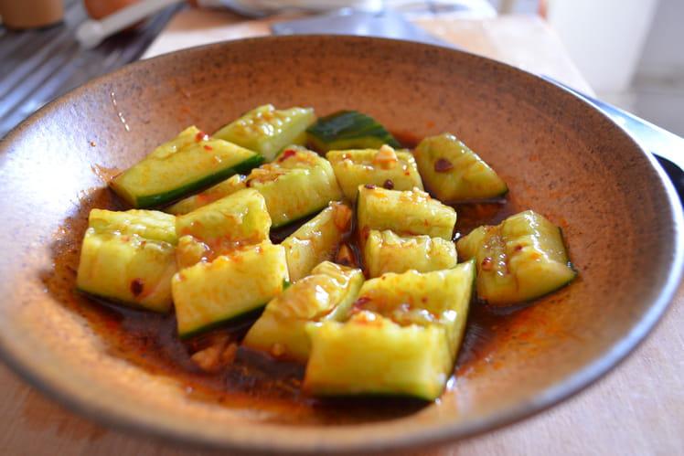 Salade chinoise de concombre mariné