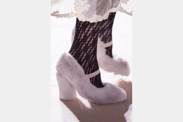 Les escarpins en peluche rose du défilé Blugirl