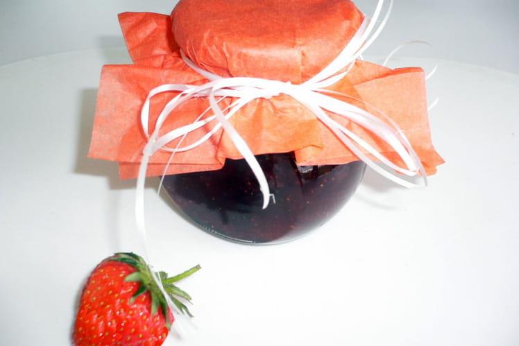 Confiture de fraises parfumée à la fève tonka