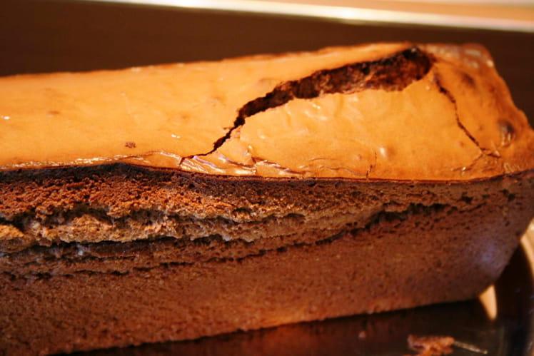 Quatre-quarts au chocolat et amandes
