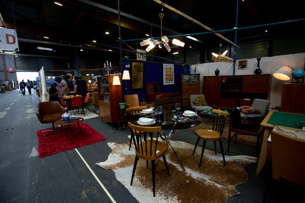stands-mobilier-deco-salon-emmaus-paris