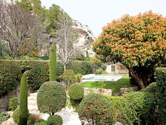 Un jardin sous les rochers