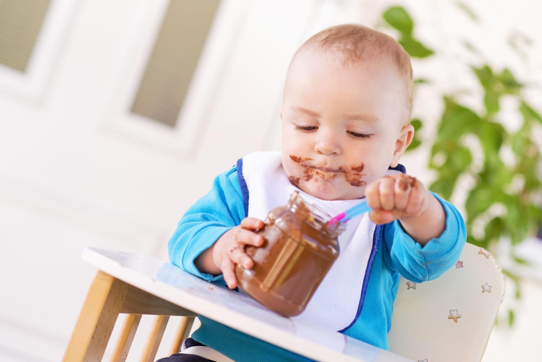 A quel âge peut-on donner du chocolat à un bébé?