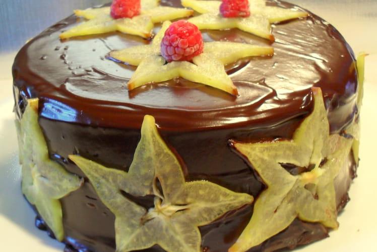 Cake au chocolat fourré fanache et framboises