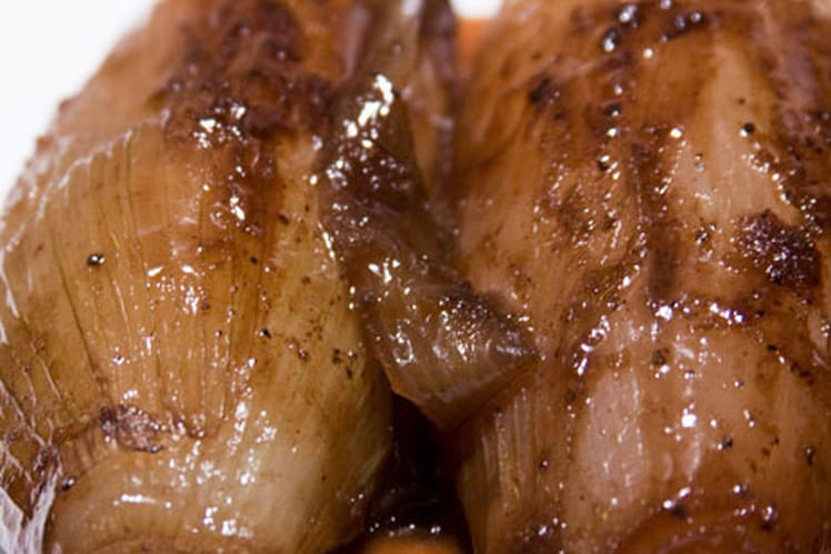 """Échalotes """"cuisse de poulet"""" confites aux épices"""