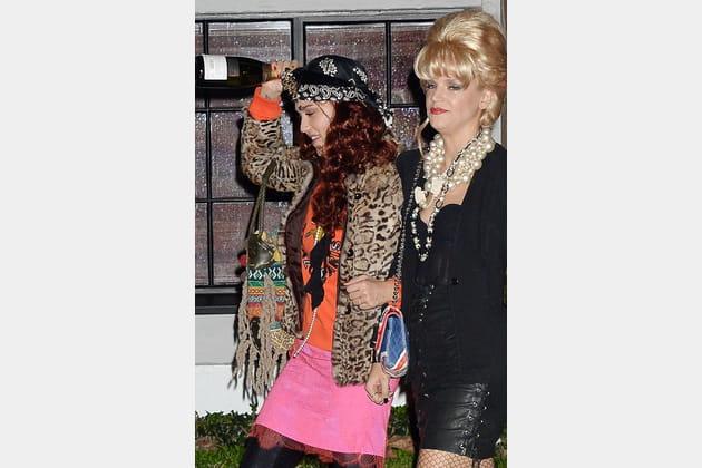 Jessica Alba et son amie Kelly Sawyer en Patsy et Edina, du film Absolutely Fabulous
