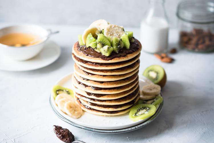 Pancakes au lait d'amandes et pâte à tartiner croustillante