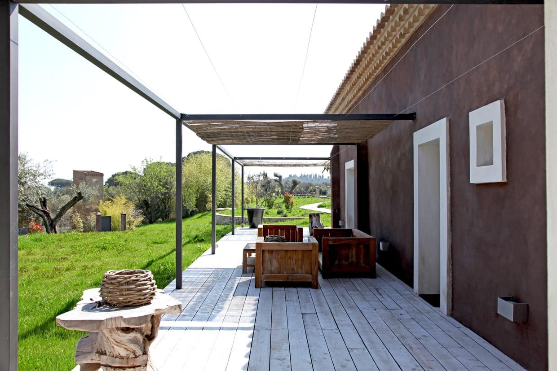 une terrasse en ch ne. Black Bedroom Furniture Sets. Home Design Ideas